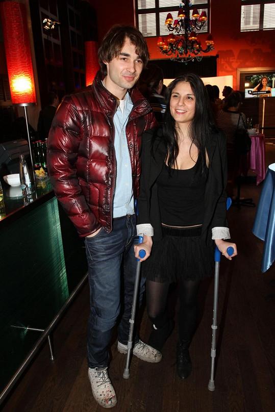 Lili se svým manželem Adamem.