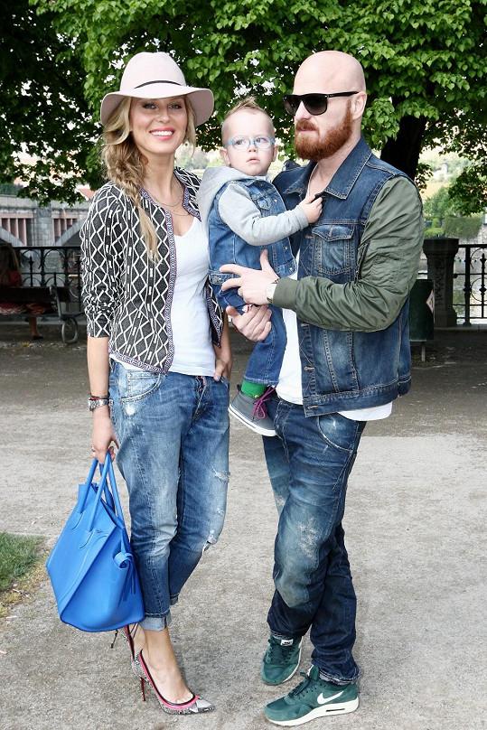 Simona a Karel k sobě ladí i outfity svých dětí.