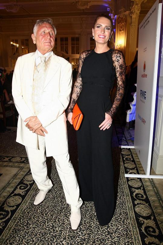 Olga s manželem Jiřím Menzelem.