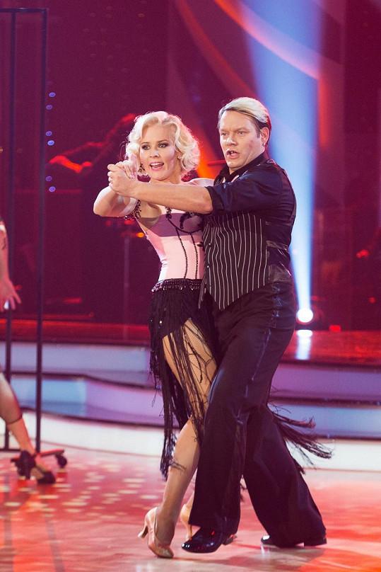 Matěj předvedl vášnivé tango s Alicí Stodůlkovou. To už si samozřejmě obul pořádné boty.