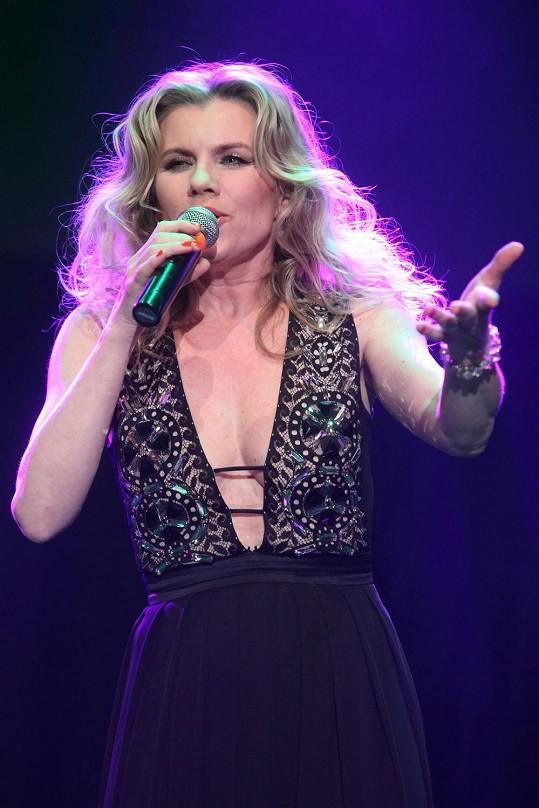 Leona Machálková zazpívala na koncertu Hany Zagorové.