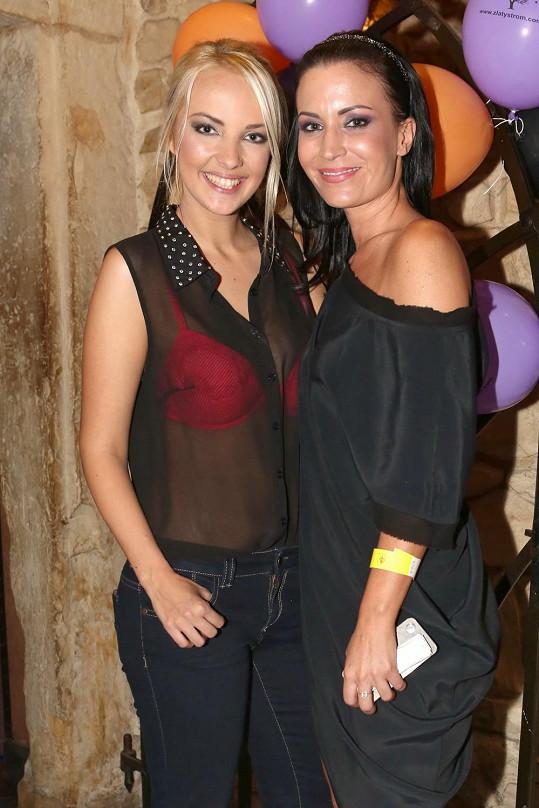 Lucie s kamarádkou Gábinou Partyšovou.