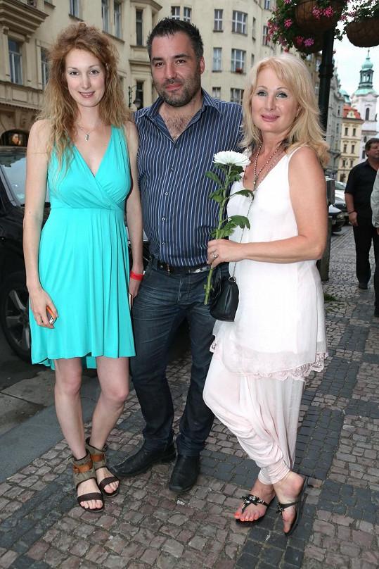 Pepina s matkou a jejím přítelem.