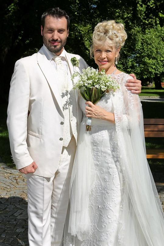 Václav Noid Bárta a Jana Švandová si zahrají v seriálu Svatby v Benátkách.