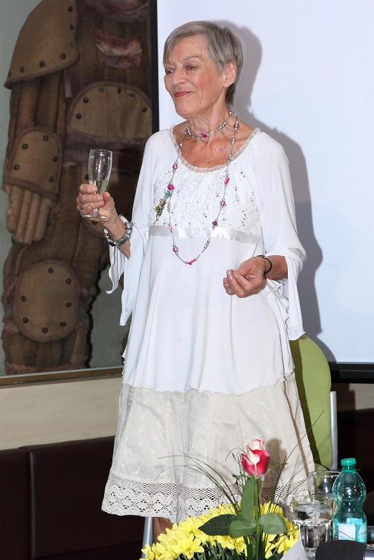 Luba Skořepová na oslavě devadesátých narozenin.