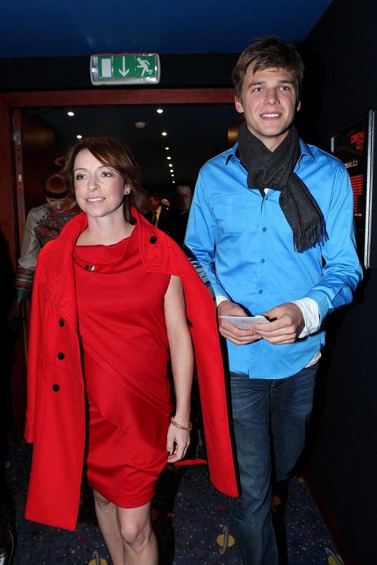 Těhotná Tatiana Vilhelmová a Vojta Dyk měli dobrou náladu.