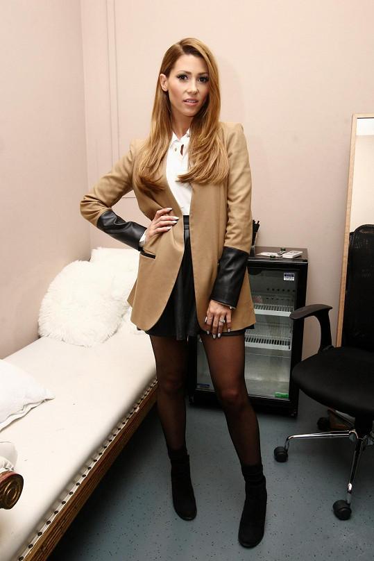 Tereza Kerndlová vystavila na odiv své dokonalé nožky.