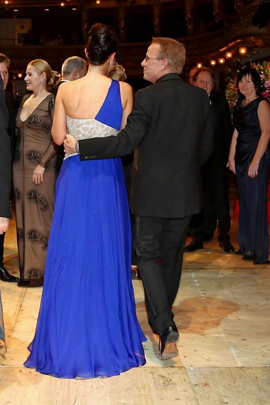 Lambert si svoji tanečnici pyšně odváděl.