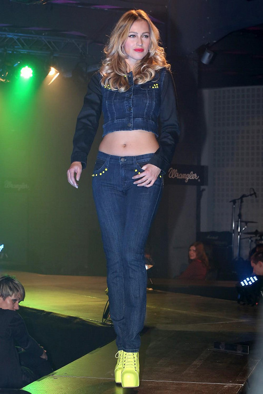 Renata Langmannová zářila na módní přehlídce známé značky džín.