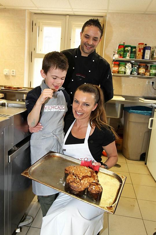 Na práci v kuchyni dohlížel sám šéfkuchař Roberto Strazzullo.