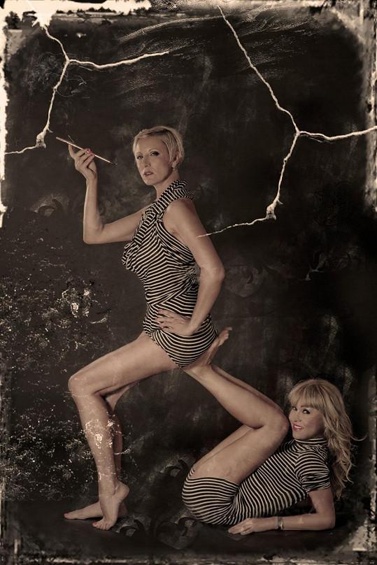 Pevnými stehny se mohou pochlubit obě.