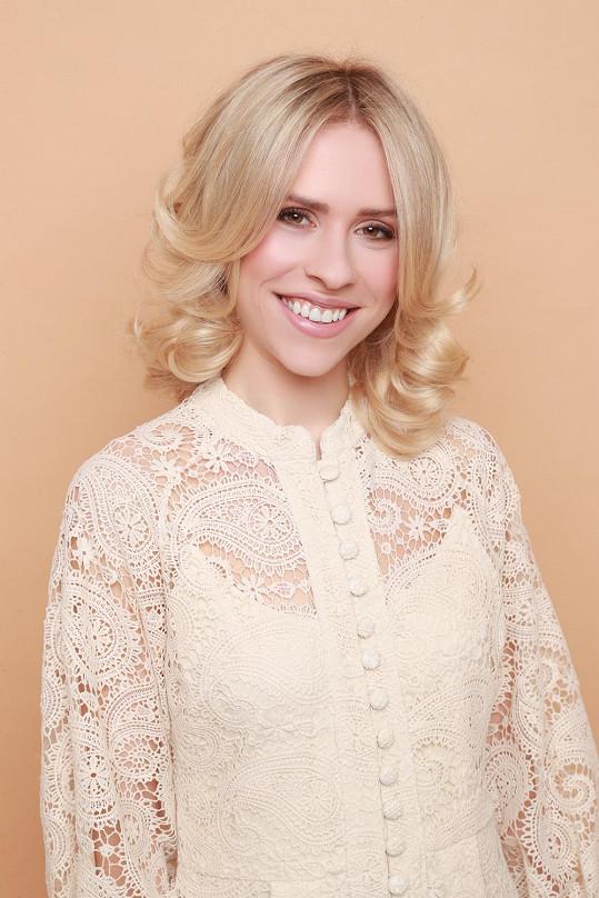 Mariana Prachařová je opět blondýnka.
