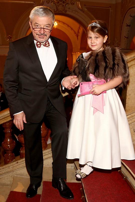 Vladimír Železný s dcerou Ester, která byla za malou princeznu.