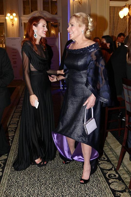 Herečka během rozhovoru s Lenkou Vacvalovou, se kterou měla hrát v seriálu na Primě, ze kterého nakonec vycouvala.