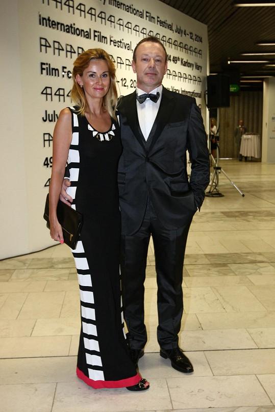 Michal s manželkou Luccou na zahájení filmového festivalu v Karlových Varech.