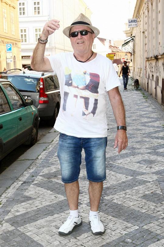 Petr Janda vyrazil s Felixem na tenis do Francie.