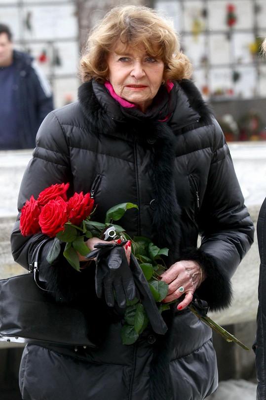 Věříte tomu, že Yvetta Simonová na podzim oslaví pětaosmdesátiny?