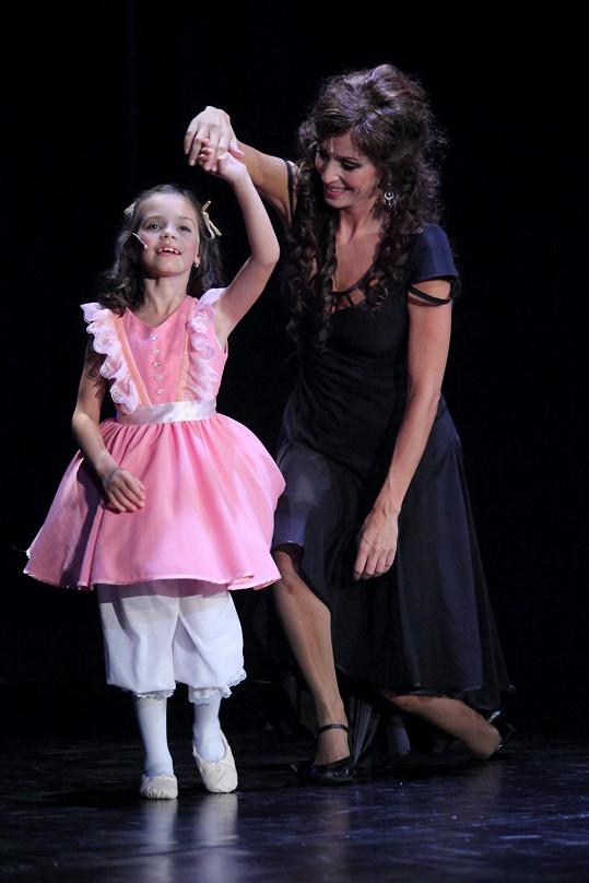 Charlotte se svou muzikálovou maminkou Kateřinou Brožovou