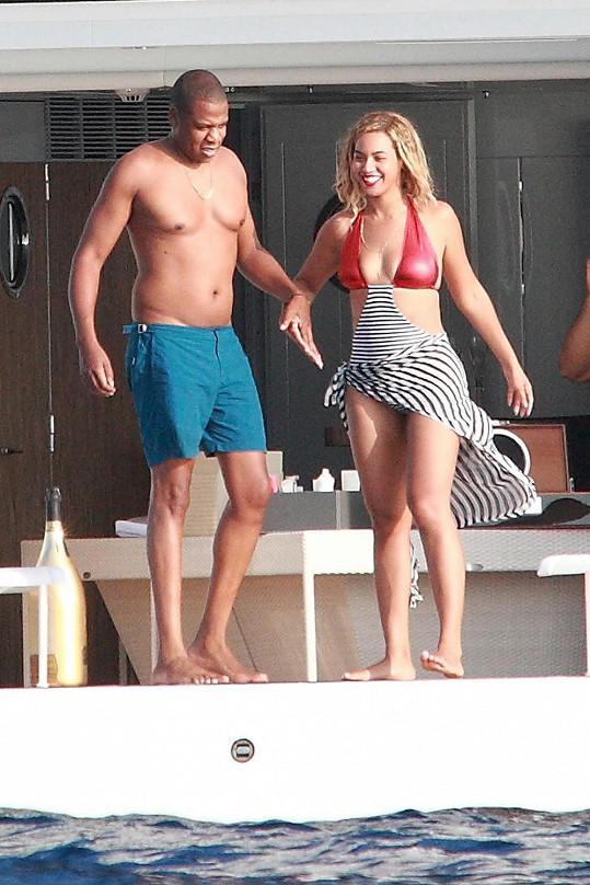 Beyoncé a Jay-Z si užívali na jachtě.