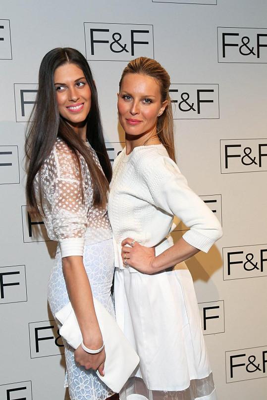 Simona Krainová a Aneta Vignerová