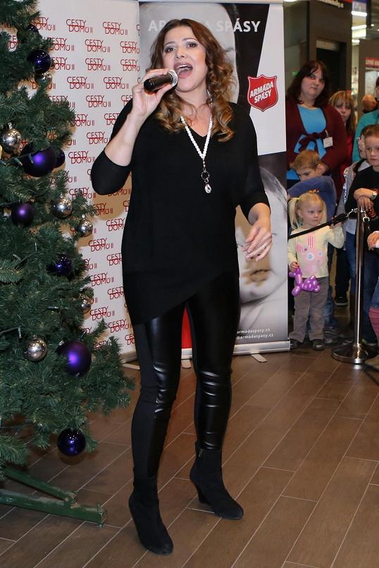 Ilona Csáková zhubla dvacet kilo a je to znát. Udrží váhu přes Vánoce?