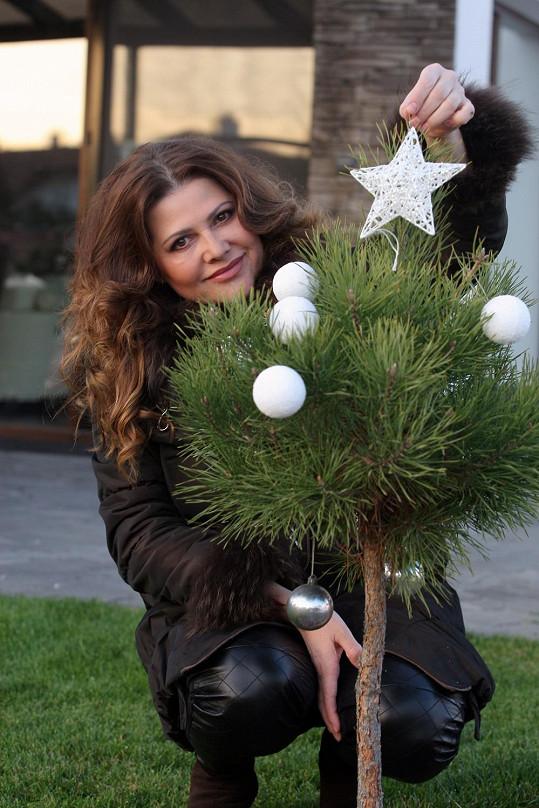 Vánoce si zpěvačka užívá jako máma mnohem více.