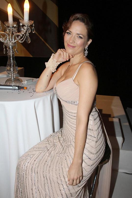 Tereza by si ráda zatančila, už prý kvůli krásným šatům.