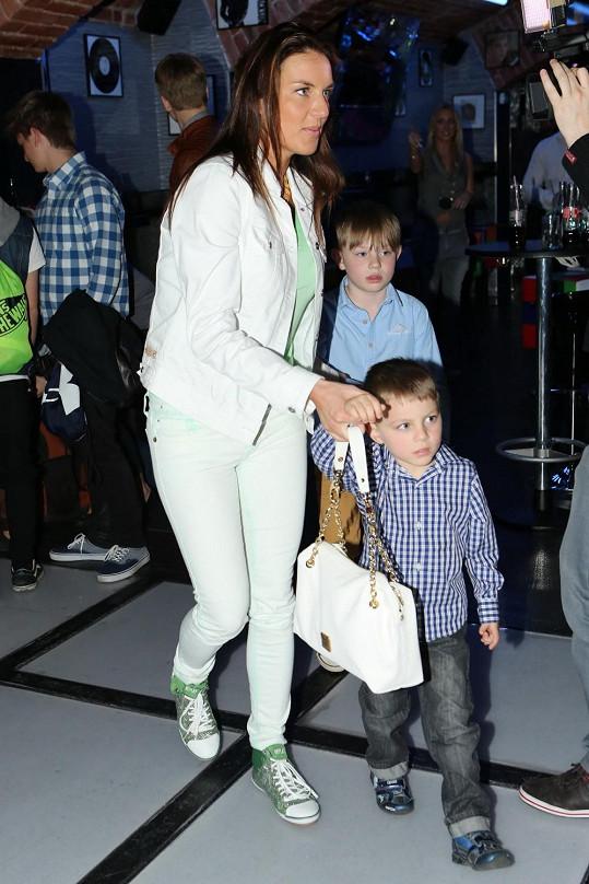 Lucie Králová se syny Robertem a Richardem