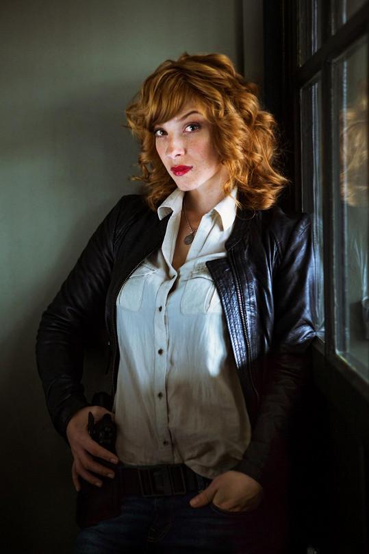 Vica Kerekes ztvárňuje v seriálu Clona sexy vyšetřovatelku Nikolu.