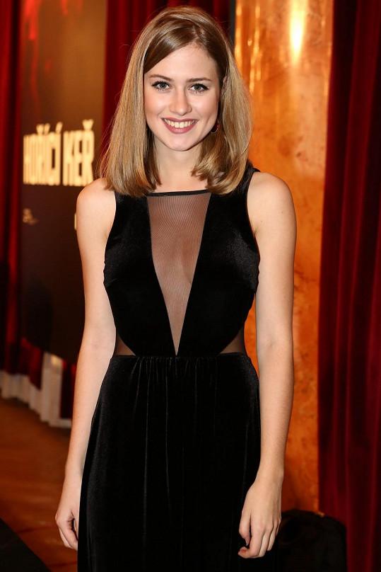 Emma a její oblíbené šaty.