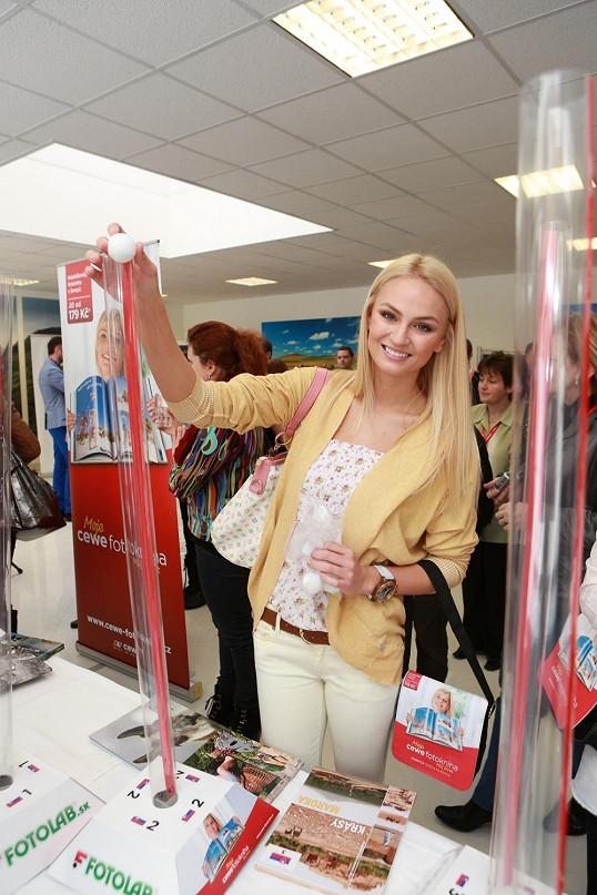 Tereza Fajksova- Miss Earth 2012 Official Thread (Czech Republic) - Page 4 514184fae33a69deb1cb0400-66822