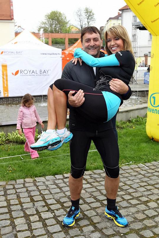 Pavlína se zapojuje i do běžeckých závodů, kde ji podporuje její přítel.