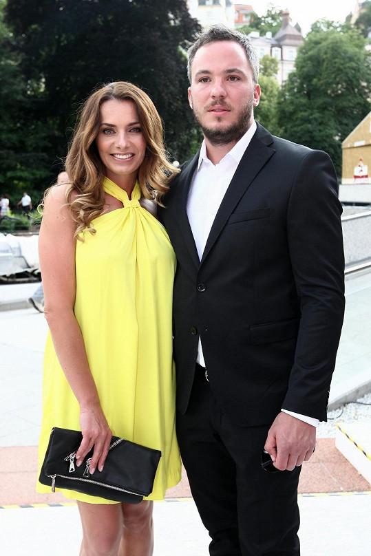 Bendová s přítelem Michalem Topolem