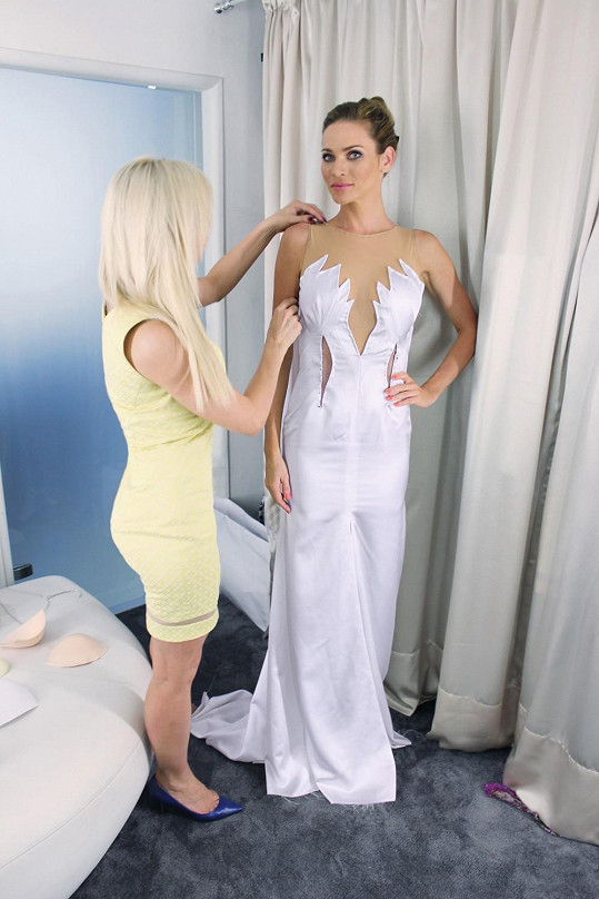 Jedna z prvních zkoušek šatů