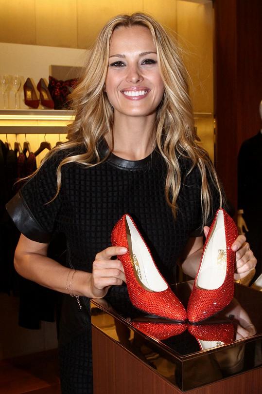 Petra Němcová miluje nakupování bot. Zaujala jí limitovaná kolekce Marilyn Monroe od Salvatore Ferragamo.