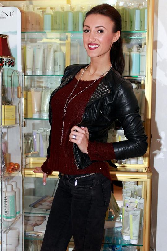 Modelka Makarenko je terčem útoku.