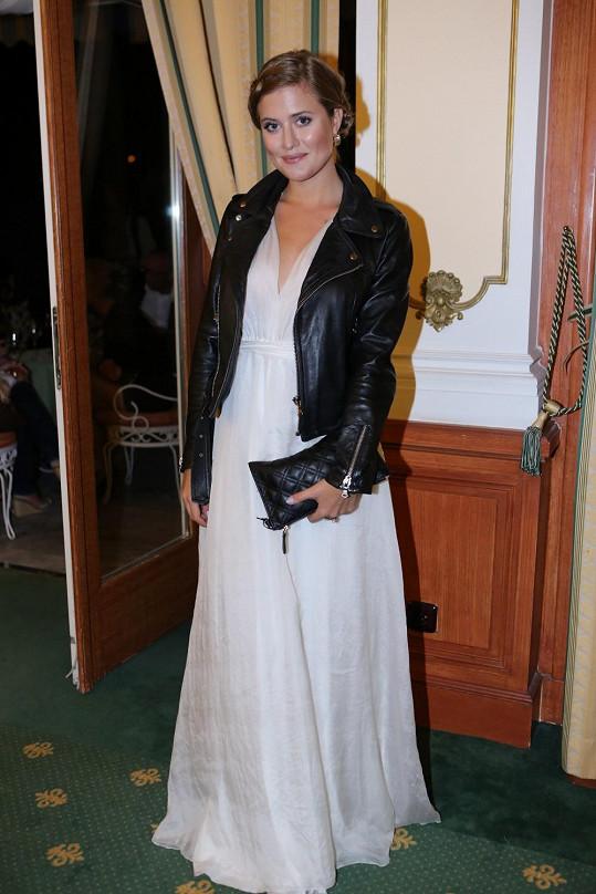 Emma Smetana na párty po tenisovém turnaji, kterou moderovala.