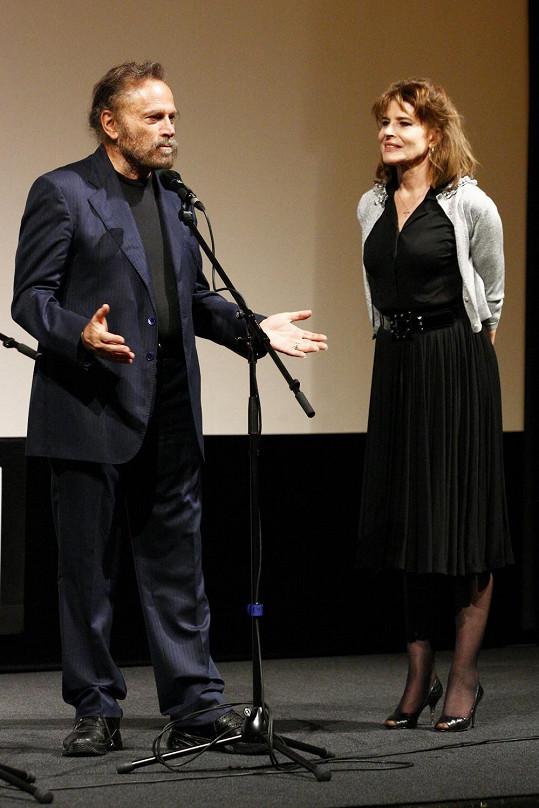 S Francem Nerem uvedla film Naléhavé vlny.