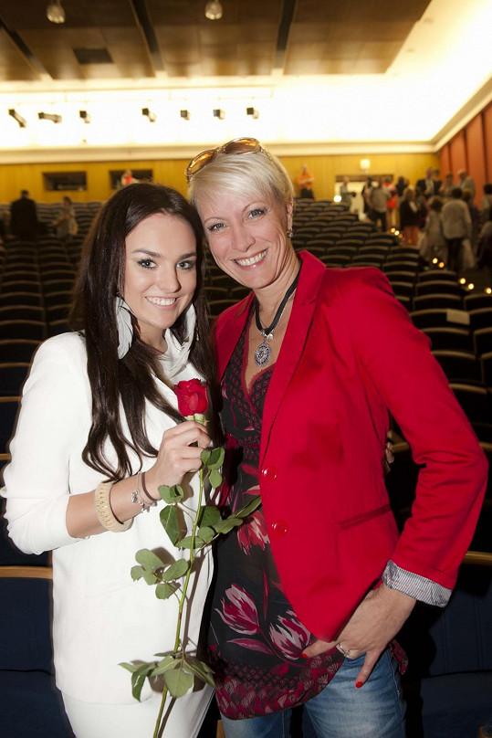 Ewa i Renata mají polské kořeny a maturitu z polštiny.