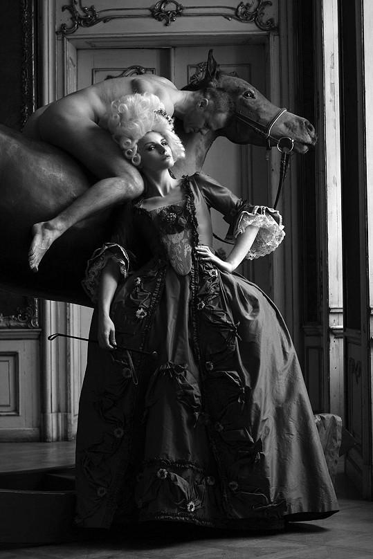 Výsledné snímky Michala Skramuského ve stylu Marie Antoinetty.