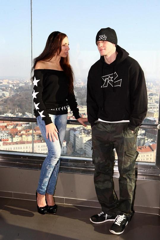 Olga Lounová s rapperem Revoltou