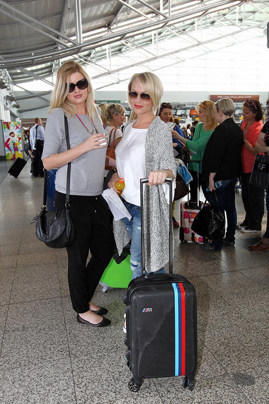 Nerozlučná dvojka nejen na výletě do Londýna Martina Pártlová a Nikol Štíbrová.