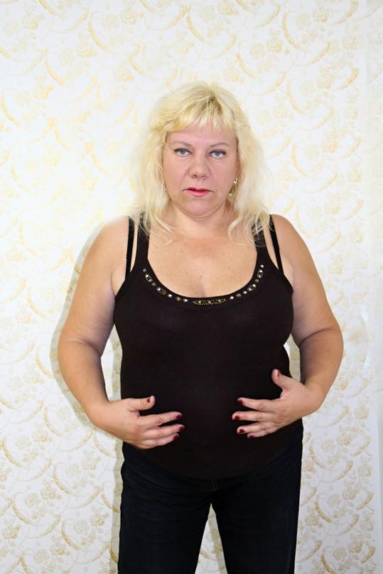 Tuku na břiše se chce zpěvačka zbavit v první řadě.