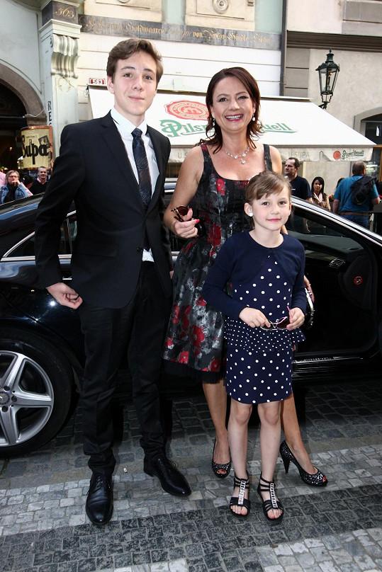 Voldánová se synem Vojtou a dcerou Kateřinou