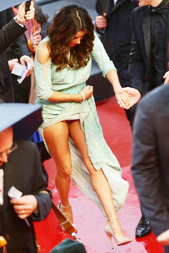 Největší poprask v Cannes a v hlavní roli Eva Longoria.
