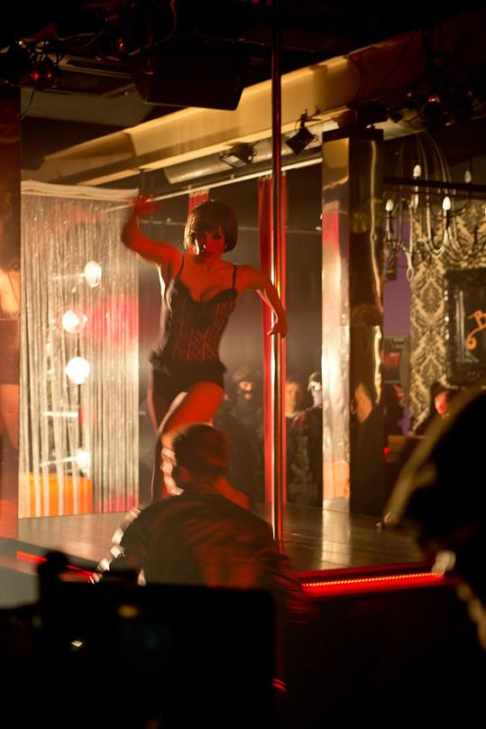 Vica Kerekes tančila v seriálu Clona u tyče.