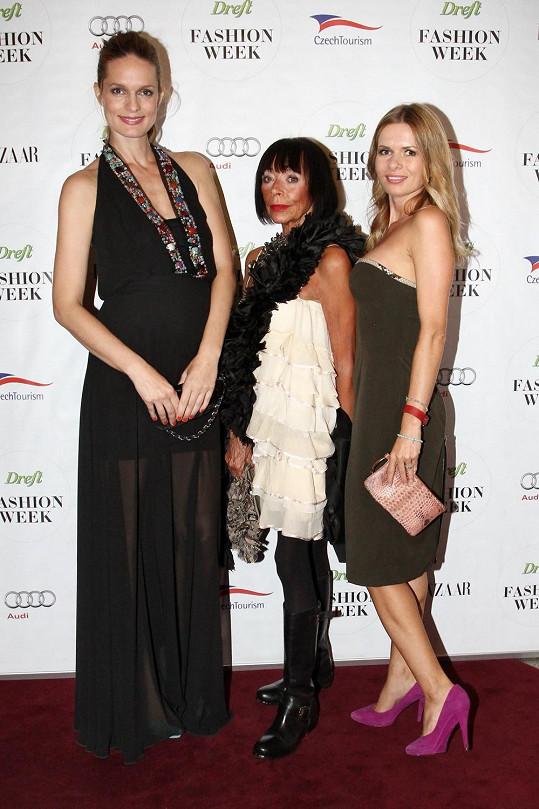 Františka s organizátorkami letošního Dreft Fashion Weeku Karolínou Bosákovou a Bárou Bergovou.