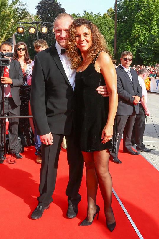 Eva Jeníčková se svým přítelem, režisérem Viktorem Taušem.
