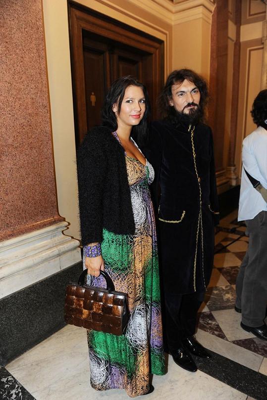 Varhan Orchestrovič Bauer s těhotnou manželkou Barbarou.