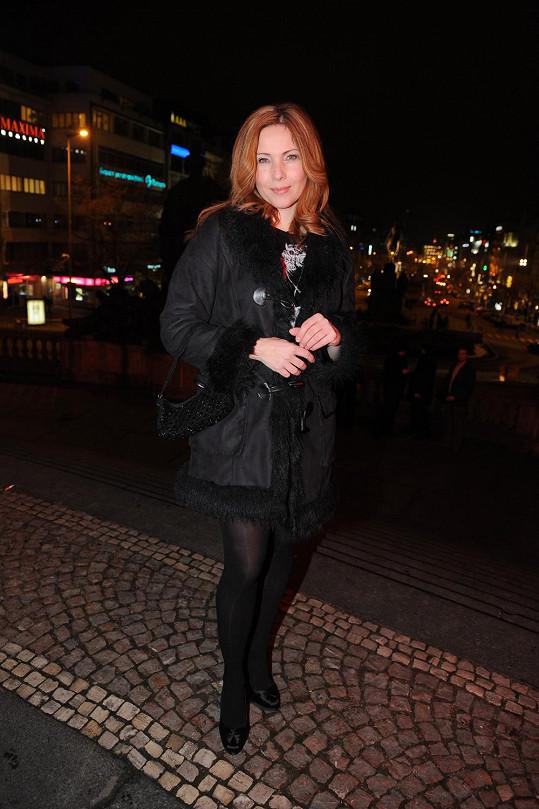 Nicol Lenertová změnila délku i barvu vlasů.